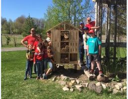 Building Pollinator Insect Hotels